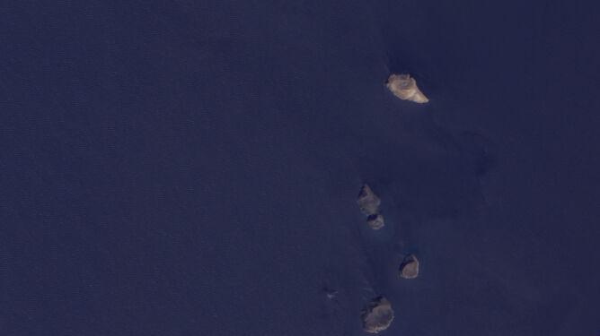Przed erupcją wulkanu / NASA