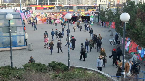 Do pobicia miało dojść przed stacją metra Centrum Mateusz Szmelter / tvnwarszawa.pl