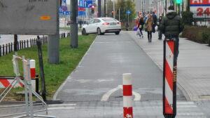 Zamiast jezdnią, ścieżką rowerową. Ale mają pozwolenie