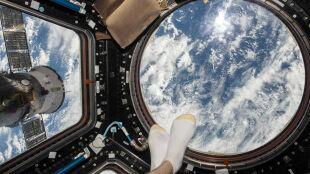 Selfie znad morza... i to dosłownie. Prosto z Międzynarodowej Stacji Kosmicznej