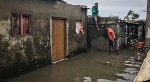Cyklon Eloise uderzył w Mozambik